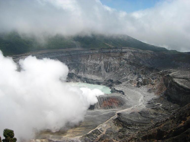 Poas volcano crater - San Jose