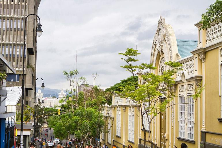 San Jose Walking Tour: Food, History and Architecture