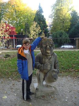 the troll, Lonna B - November 2009
