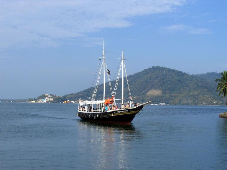 Rio de Janeiro-Sepetiba Bay Boat Tour - Rio de Janeiro