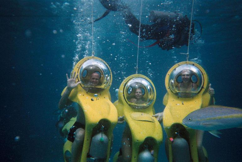 Scenic Underwater Bubbles - Nassau