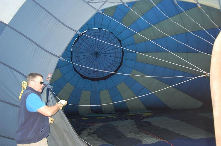 Setting up the balloon - Orlando