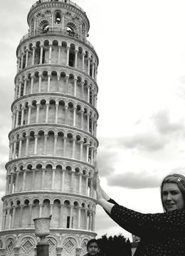 Your typical Pisa pose! , nikki e - May 2011