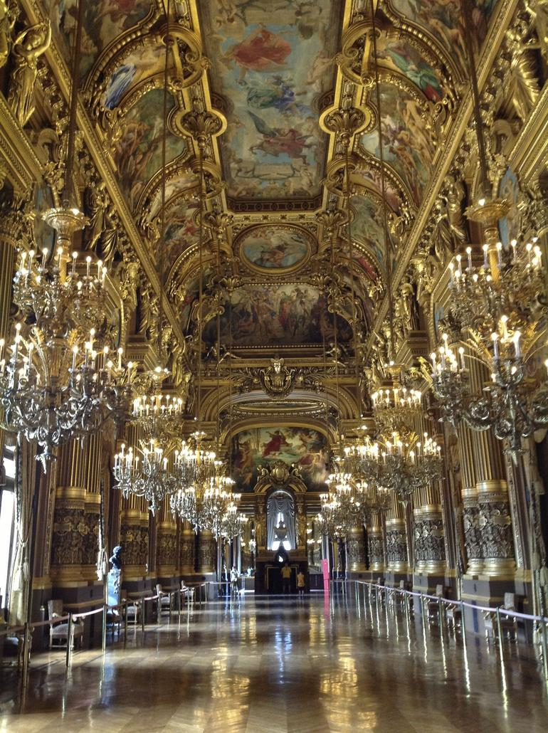 The receiption hall in the opera house. - Paris
