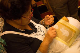 The lady demonstrated the stitches for about five minutes. , martha.gillespie - October 2014