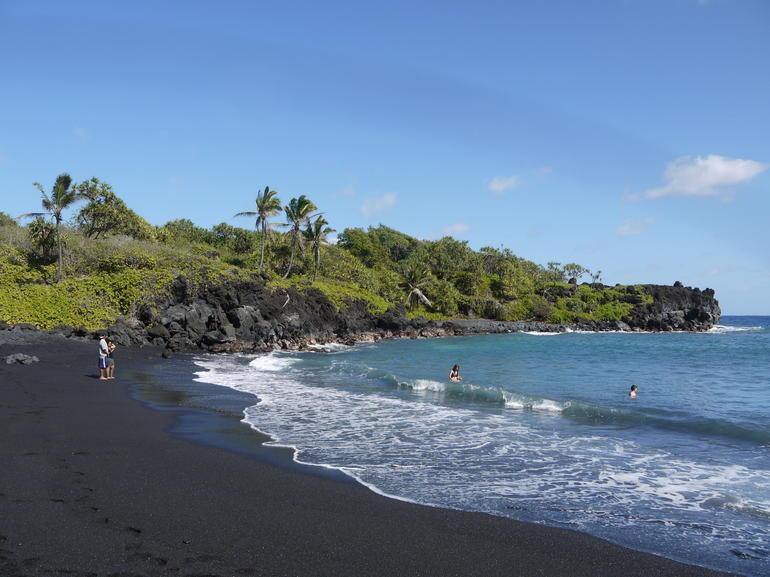 Maui Hana Coast Day Trip - Maui