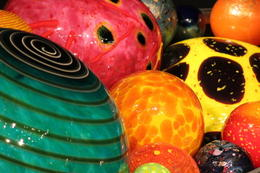 Chihuly Glass Museum exhibit , KP - July 2017