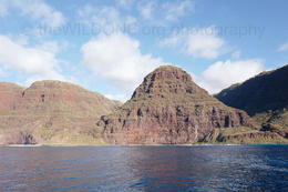 Na Pali coast. by theWILDONE.org , Darkroom_visitor - January 2018
