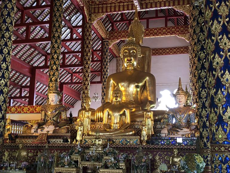Chiang Mai City and Temples Half-Day Tour photo 11