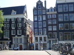 Amsterdam buildings, Cat - January 2012