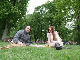 Disfrutando del almuerzo en un picnic! , Manuela R - June 2014