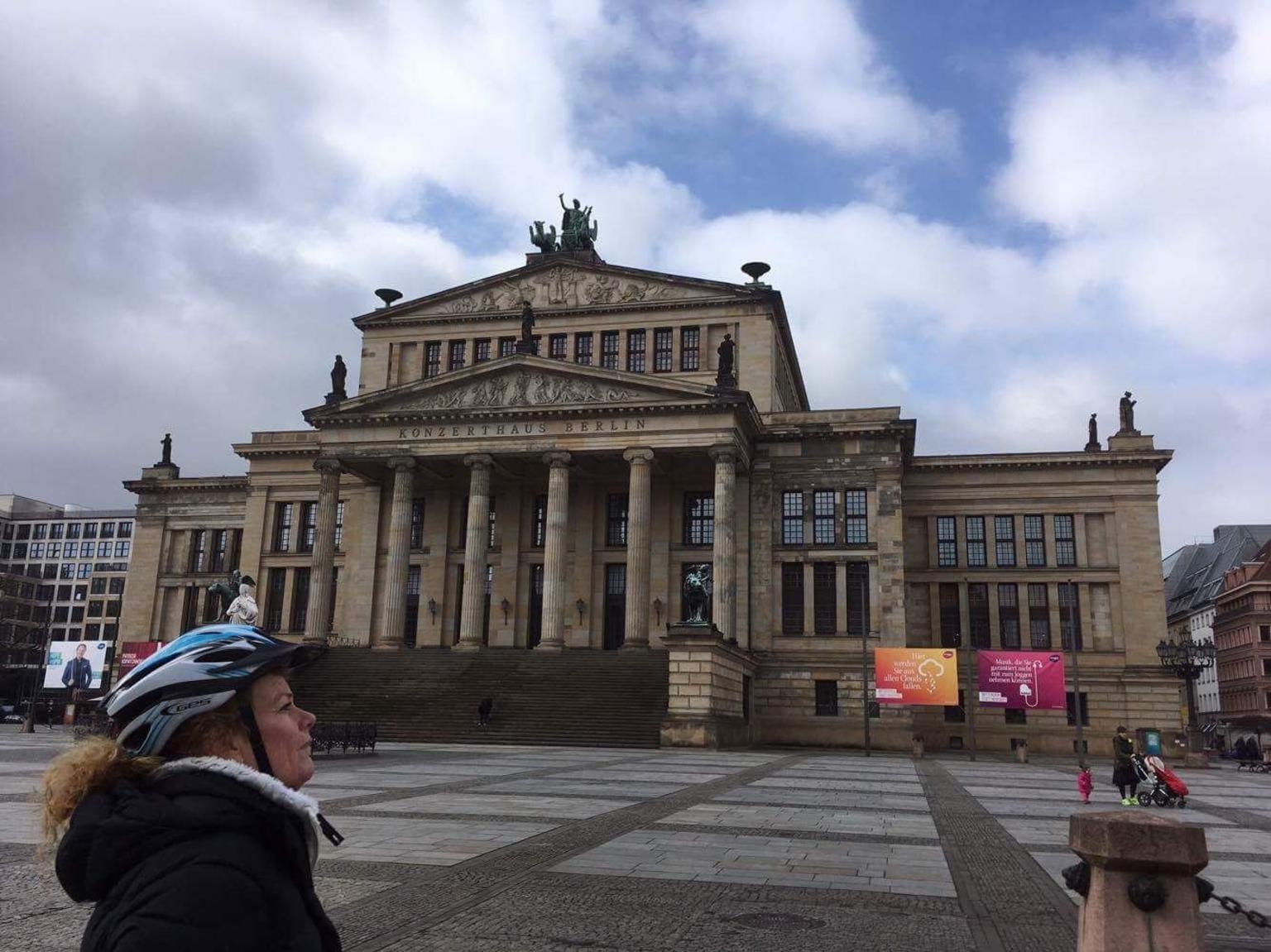 MAIS FOTOS, Berlin Small-Group Segway Tour