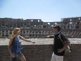 Muy buena actividad de Viator, con una excelente guía. Aquí en el Coliseo de Roma . , Ricardo M - August 2015