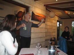 Le propriétaire du Cottage en pleine explication , Jean-pierre S - September 2014