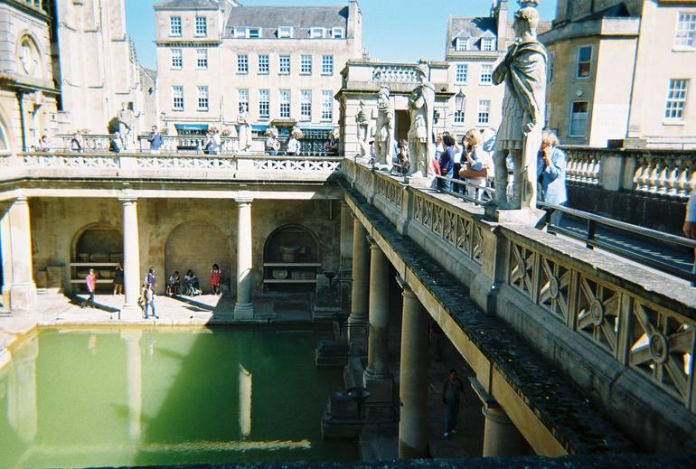 ROMAN BATH IN BATH ENGLAND 9 7 12 (16) - London