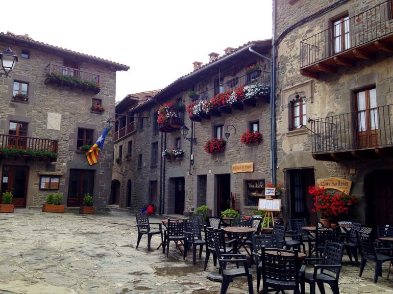 villages-medievaux-barcelone-excursion-avec-transport