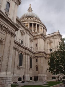 St Paul's Cathedral-view from the bus, Vanessa M - September 2010