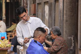 Barber at Street Markets , DIO C - March 2011