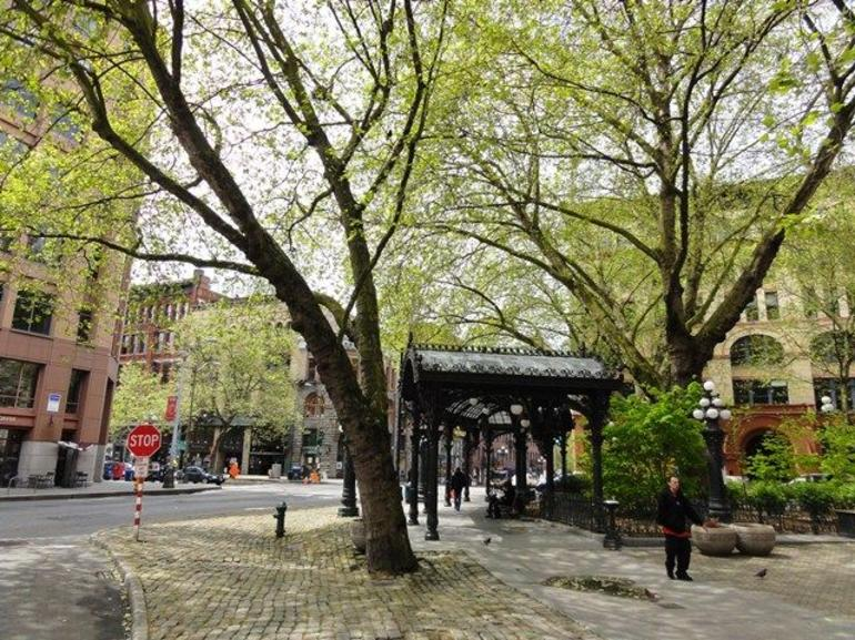 The reconstructed Iron Pergola in Pioneer Square ? a comment meeting place for the area - Seattle