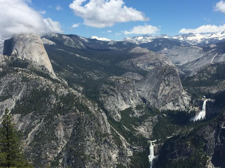 Full-Day Small Group Yosemite & Glacier Point Tour Including Hotel Pickup