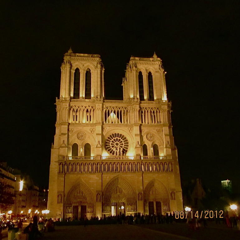 Ghosts, Mysteries and Legends Night Walking Tour of Paris photo 23