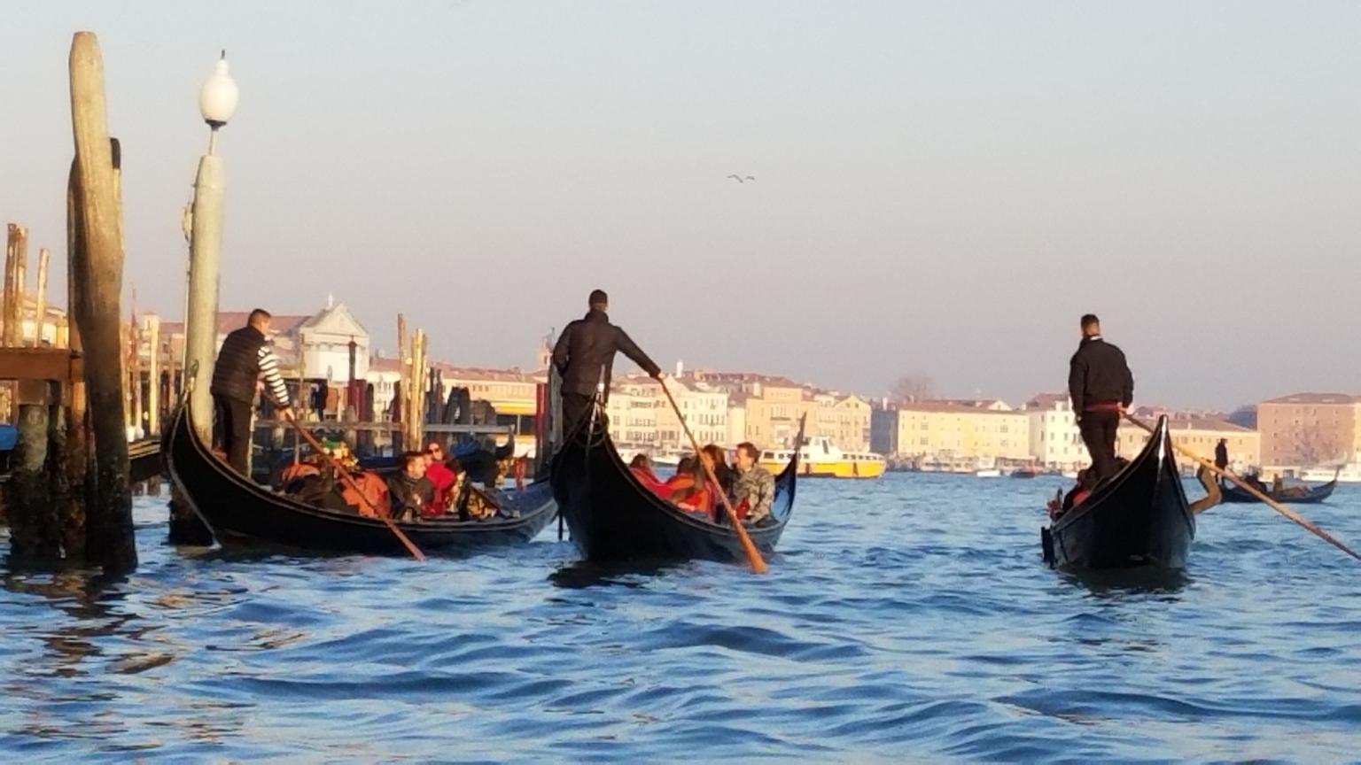MAIS FOTOS, Passeio de gôndola em Veneza