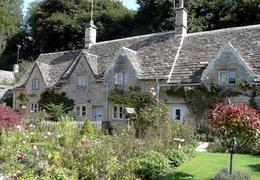 Beautiful stone cottages and English gardens, Helen L - October 2009