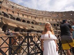 Coliseo romano , Jaquelina G - September 2014