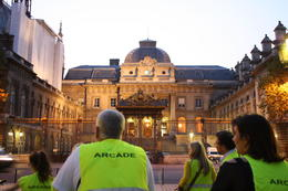 in front of the justice dept...ohh forgot what it's called... but next to St. Chapelle. , trogdorwasaman - October 2012