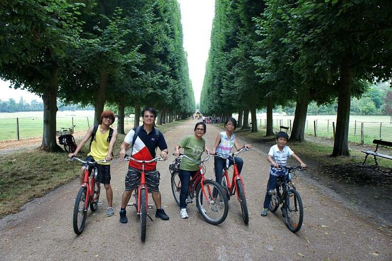 Our bicycle tour at Versailles Palace - Paris
