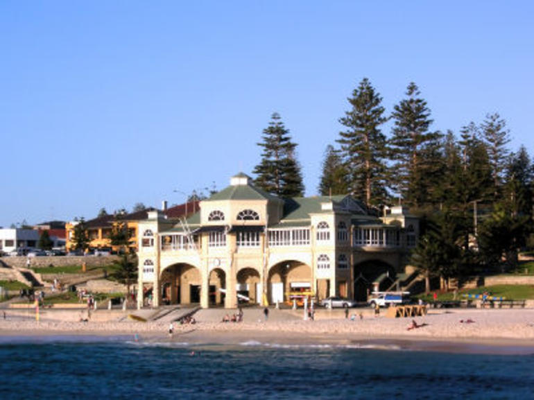 Cottesloe Beach Villa - Perth
