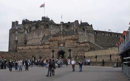 The forecourt/carpark entrance to the Castle, Susan H - September 2010