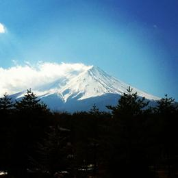 Was super lucky to have a clear view of the great Mount Fuji !! Though it was winter and there was snow so we couldn't go up to the fifth station but stayed at fourth instead. , Nicole T - February 2013