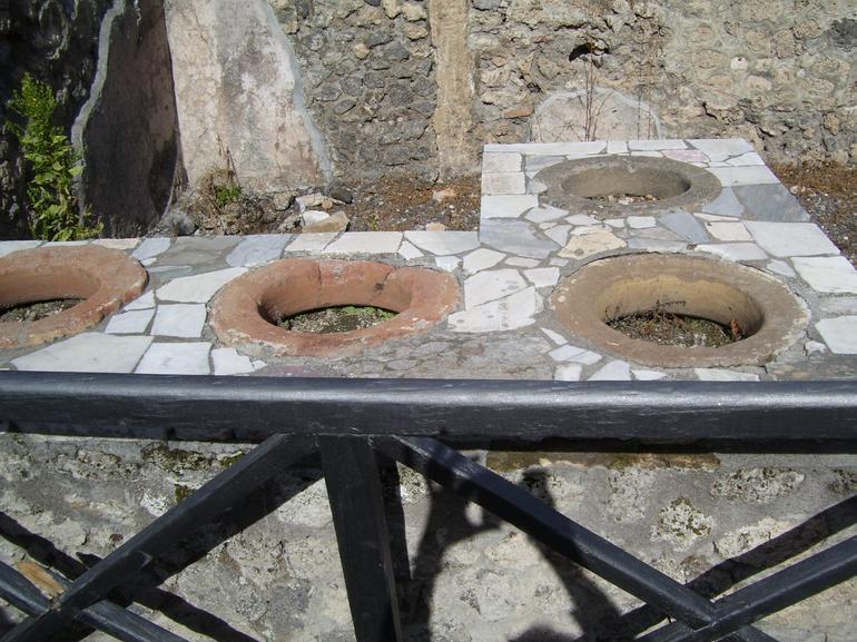 The rockin' wine bar at Pompeii - Rome