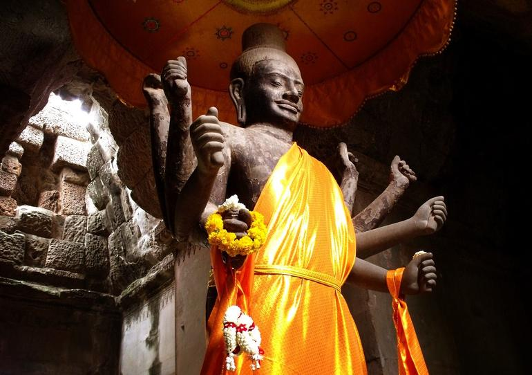 Buddha statue - Angkor Wat