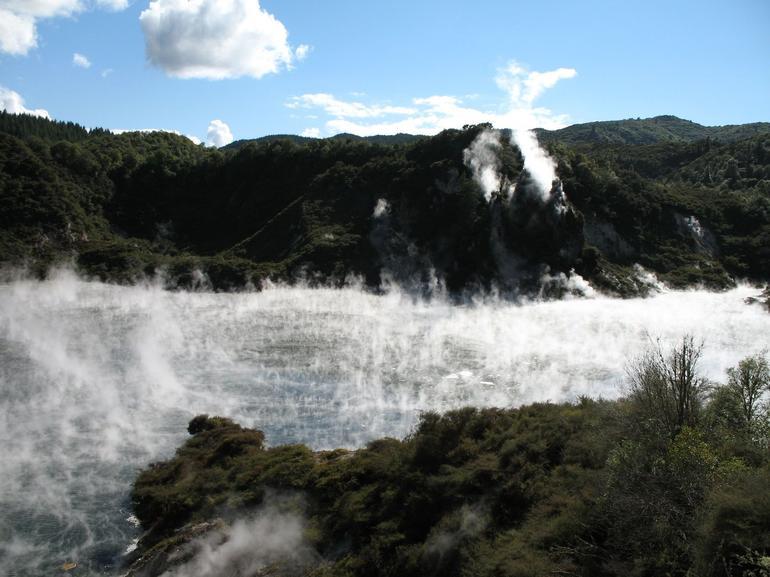 Frying Pan Lake - Rotorua