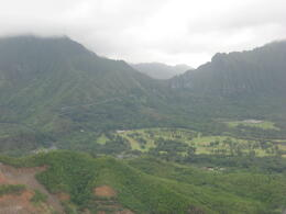 Flying through the lush valley of Oahu,, Bandit - February 2011