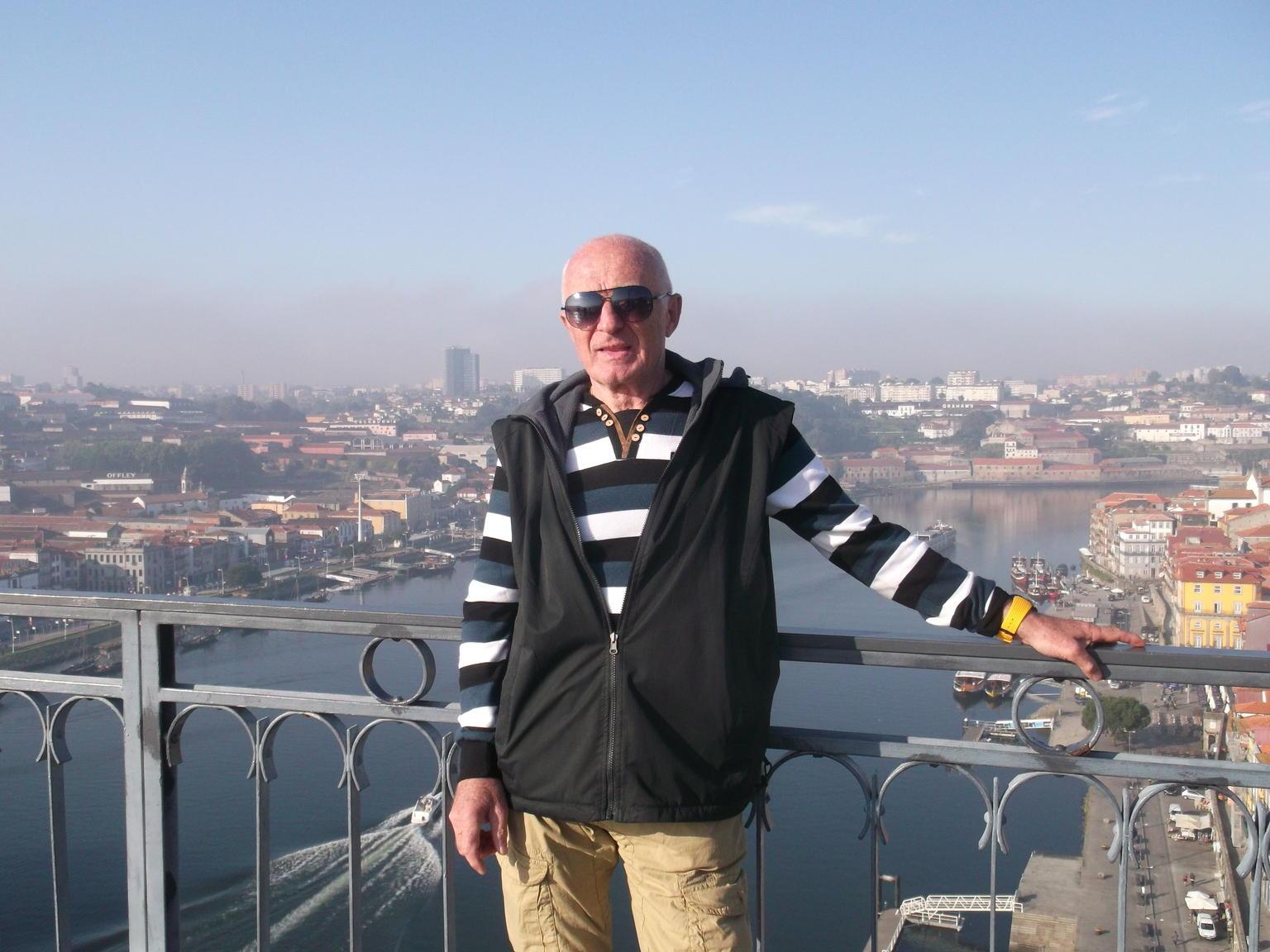 MAIS FOTOS, City tour em Porto incluindo passeio de barco, degustação de vinho do Porto e almoço