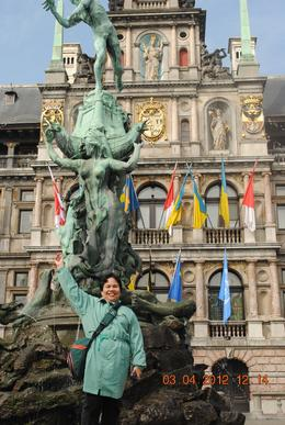 I'm dressed in the same color as this statue. , Catherine C - May 2012