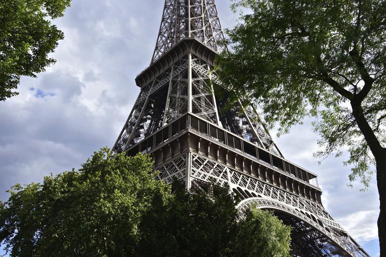 Tremendous Tour at Eiffel - Paris