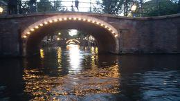 Amsterdam am Abend, hier der Blick in die Gracht mit den 7 Brücken. , Robin S - August 2015