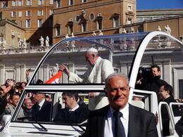 Estuvimos cerca del papa, una gran emoción. , Miriam M - April 2014