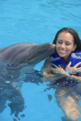Dolphin Smooch., Mo Burns - August 2011