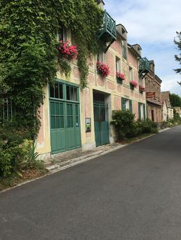 Like a postcard...we loved Giverny , nancy z - September 2016