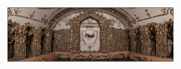 Skip the Line: Crypts and Roman Catacombs Small Group Walking Tour - Rome