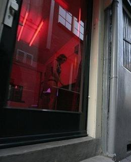 I figured it's OK to post this, since the person is not recognizable. Normally they ask that you do not take photos on the tour (or any time at all in the Red Light District). - April 2008