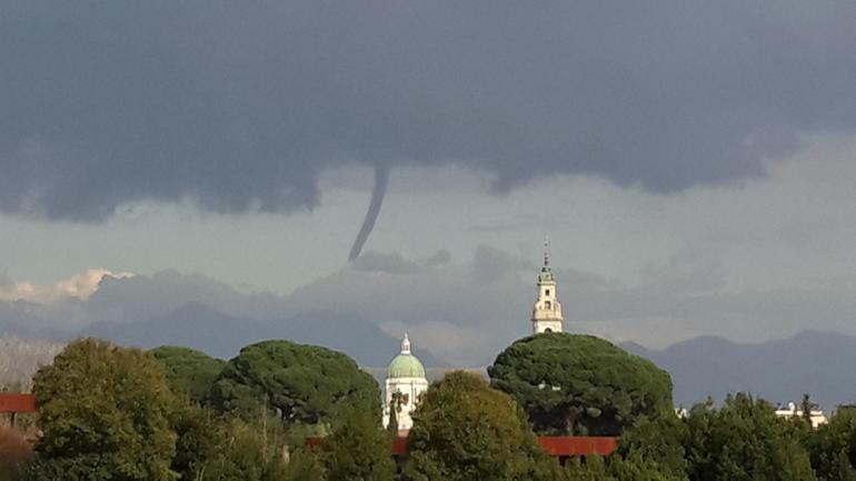 tornado at pompeii - Rome
