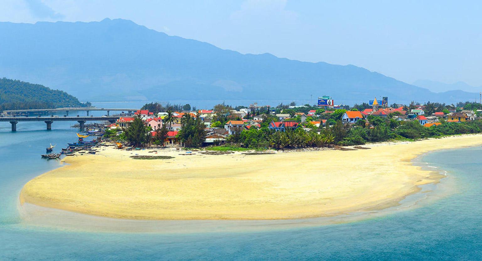 MAIS FOTOS, Traslado só de ida incluindo Passeio turístico entre Hoi An e Hue
