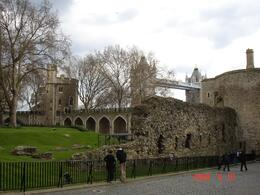 Arriving at the Tower of London., Maureen P - April 2008