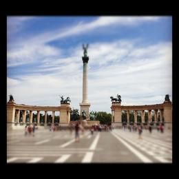 A quick stop (thanks to the subway) to see Heroes Square. , Staci C - July 2012
